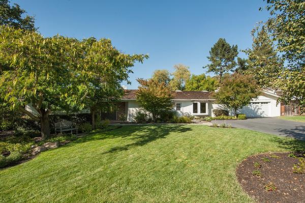 Just Listed: Lafayette Trail Neighborhood Home – 3222 Los Palos Circle