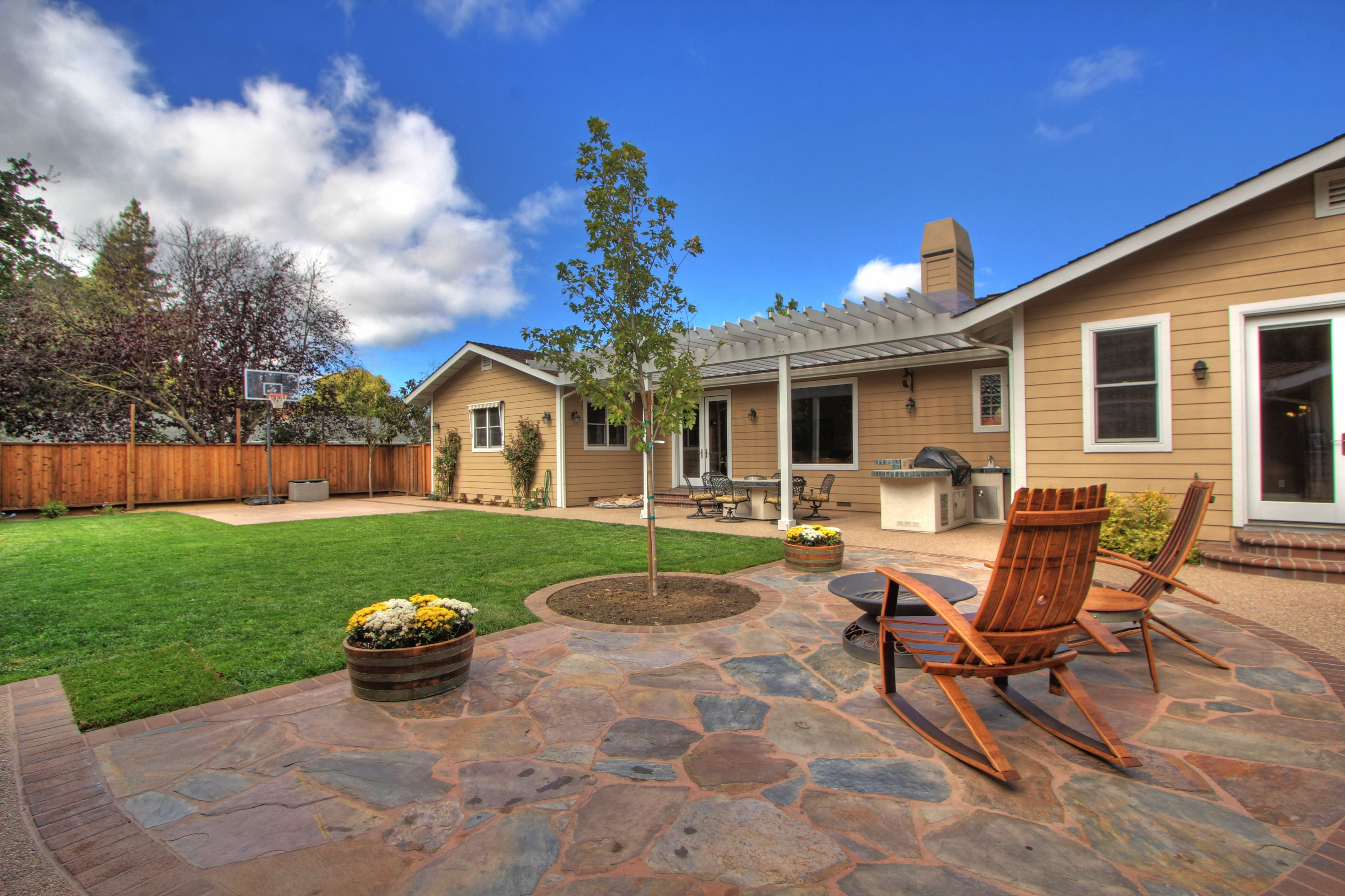 Luxurious and Private Estate For Sale on Lafayette-Moraga Trail